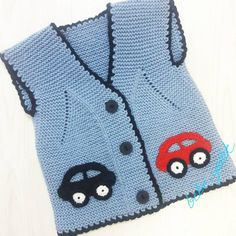 Sleeveless child vest with automotive motif - Today Life Content Baby Sweater Patterns, Baby Knitting Patterns, Baby Boy Knitting, Knitting Socks, Pull Bebe, Baby Suit, Baby Cover, Knit Vest, Baby Sweaters