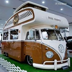Welcome to Volkswagen UK. Discover all the information about our new, used & electric cars, offers on our models & financing options for a new Volkswagen today. Vw T3 Doka, T3 Vw, Volkswagen Transporter, Volkswagen Beetles, Volkswagen Bus Camper, Kombi Trailer, Kombi Motorhome, Motorhome Travels, Vans Vw