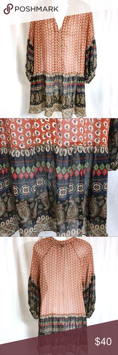 PLASTIC ISLAND Print Tunic Blouse - SMALL This tunic blouse is in great condition! It was very gently pre-loved. Laying flat, it measures 19 inches from armpit to on pit. From the top of the shoulder down toward the knee, it measures 30 inches. Plastic Island Tops Tunics