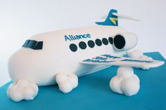 """""""3D airplane cake"""" 