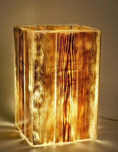 Epoxy lampshade made of oak tree and epoxy resin DIY - Wood Knot - Unusual lampshade – fits both for table staying and ceiling suspension - Table Lamp Wood, Wood Lamps, Glow Lamp, Natural Lamps, Epoxy Resin Wood, Diy Epoxy, Luminaire Mural, Driftwood Lamp, Handmade Lamps