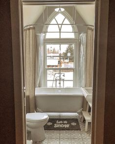 50 Small Bathroom Design Ideas For 2020 These trendy Home Decor ideas would gain you amazing compliments. Check out our gallery for more ideas these are trendy this year. Bathroom Goals, Bathroom Inspo, Master Bathroom, Small Showers, Trendy Home Decor, Toilet Design, Bathroom Design Small, Clawfoot Bathtub, Bathroom Accessories