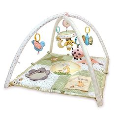 The joyous and playful The Guess How Much I Love You Play Gym from Kids Preferred is an amazing way for your child to play. Carrying the sentiment of I love you to the moon and back, this play mat features a musical mobile and interactive toys.