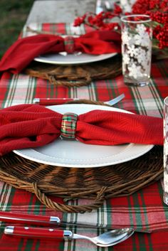 White china is a perfect solid background with the tartan plaid around it....and don't miss the napkin rings! It's the little things!