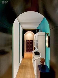 In his Barcelona home, Guillermo Santomà used vibrant shades of ...