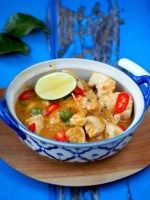 Authentieke Thaise Panang Curry met kip Thai Recipes, Asian Recipes, Chicken Recipes, Healthy Recipes, Panang Curry Chicken, Low Carb Brasil, Food Porn, Comfort Food, I Love Food