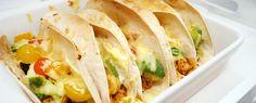 Gewoon wat een studentje 's avonds eet: Mexicaanse wraps met kip, warme avocado, tomaat, crème fraîche, tofu en kaas