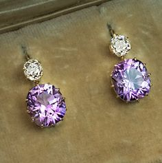 made in the city of Kazan between 1908 and 1917 Rare Siberian amethysts are usually associated with deep royal purple, although it's not always the case. Purple Jewelry, Amethyst Jewelry, Amethyst Earrings, Gold Earrings, Turquoise Rings, Antique Earrings, Antique Jewelry, Vintage Jewelry, Sea Glass Jewelry