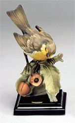 "Florence Sculpture ""Robin with cherry"" 0156/C H cm 15 = 6"""