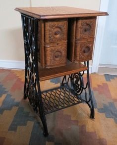 A nice Singer conversion. I like added shelf but not the drawers Diy Furniture Projects, Refurbished Furniture, Repurposed Furniture, Furniture Makeover, Cool Furniture, Painted Furniture, Antique Sewing Machine Table, Sewing Machine Drawers, Antique Sewing Machines