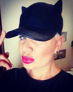 Kici Kici miał miał 😻😹😻 #polishgirl #niceafternoon #goodafternoon #look#cat #good#instagood #lips #blueeyes #me#selfie #instalike#fashion #fashionblogger #mylifestyle #instacute #fallowme #kiss