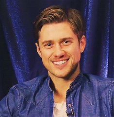 FINALLY - someone else understands :) | 30 Reasons You Should Be Completely In Love With Aaron Tveit