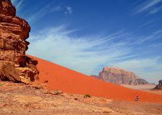 26 de janeiro de 2015 Wadi Rum Jordânia. dia 176 de 414. #wadirum #wadirumdesert #jordania #jordânia #jordan #warrenjc #huffingpostgram #sharetravelpics #voltaaomundo #viajarfazbem #trippics #wolderlust #magicpict #blogmochilando #fantrip #beautifuldestinations #travelawesome #worldplaces #worldtravelpics #4cantosdomundo #gophotooftheday #1001trips #tripdodia #pedrocadeaju @pedroboamaral @jusperotto by pedrocadeaju