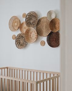 Nursery Wall Decor, Room Decor Bedroom, Diy Room Decor, Home Decor, Boho Living Room, Baskets On Wall, Wicker, Basket Decoration, Keynote