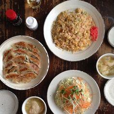 ネギと卵の炒飯、羽根付き餃子、サラダ、大根とじゃがいもと麩の味噌汁。 #おうちごはん  #晩ごはん #夕ごはん