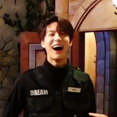 Exo Red Velvet, Nct Dream Chenle, Bts Scenarios, Staring At You, Jeno Nct, I Call You, Bts Imagine, Mark Nct, Golden Child