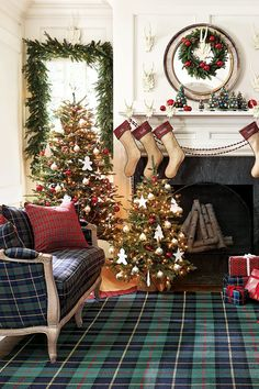 Top 35 Christmas Decorations UK People Will Love - Christmas Celebrations Tartan Christmas, Days Till Christmas, Christmas Fireplace, Plaid Christmas, All Things Christmas, Christmas Home, White Christmas, Christmas Design, Christmas Treats
