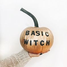 Discovered by diana_rulez. Find images and videos about Halloween, witch and pumpkin on We Heart It - the app to get lost in what you love. Holidays Halloween, Halloween Crafts, Happy Halloween, Halloween Decorations, Chic Halloween, Halloween Design, Halloween 2017, Halloween Town, Halloween Ideas