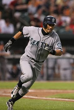 Ichiro Suzuki, so sad he's went to the yankees;(