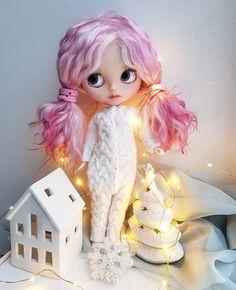〰️💕#blythe #customblythe #blythecustom #blythedoll #blythestagram #vainilladolly Doll Tattoo, Doll Clothes Barbie, Big Eyes, Blythe Dolls, Beautiful Dolls, Little Girls, Anime, Fandom, Friends