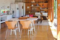 Seis comedores con mucha personalidad  Los caballetes son prácticos y están muy de moda. Para acompañarlos, sillas con base de metal y cuerpo de madera.         Foto:Archivo LIVING