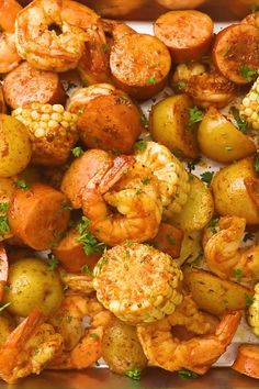 Easy shrimp boil with Old Bay, Cajun seasoning and butter. The best shrimp boil recipe with shrimp, baby potatoes, corn and smoked sausage. So delicious! Seafood Boil Recipes, Shrimp Recipes For Dinner, Shrimp Recipes Easy, Seafood Dinner, Chicken Recipes, Old Bay Shrimp Boil Recipe, Boiled Shrimp Old Bay, Boiling Crab Shrimp Recipe, Healthy Cooking Recipes