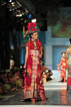 kebaya china by anne avantie