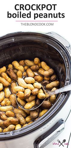 Crock Pot Boiled Peanuts - Delicious boiled peanuts have never been easier in your slow cooker! Easy and delicious Crock Pot Boiled Peanuts - Let your slow cooker do the work! Crock Pot Slow Cooker, Crock Pot Cooking, Slow Cooker Recipes, Crockpot Recipes, Cooking Recipes, Dishes Recipes, Lunch Recipes, Fall Recipes, Vegan Recipes