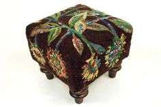 UTR-fs-305: Sunflower - Square Footstool Pattern, Hooked by Kim Nixon