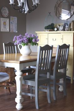 Looking for a quick way to give your dining room a new look? Why not just update what you already have? Cait from Little City Farmhouse refinished her dining ro… Diy Dining Room Table, Dining Room Furniture, Dining Rooms, Dining Tables, Room Chairs, Side Tables, White Furniture, Furniture Design, Chair Design
