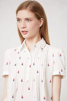 Fauna Henley. Adorable white shirt with boats.