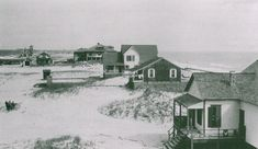 Northern Bethany Beach in the town's early years, with the lifesaving station in the distance. The dark-colored cottage second from right was destroyed by a storm in 1920 Rare Photos, Vintage Photos, Bethany Beach Delaware, Then And Now Photos, Ocean City Md, History Photos, Beach Town, Beach Scenes, Old Pictures
