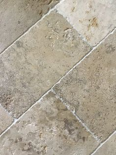 Napoléon Aged French Limestone Flooring - Historic Decorative Materials, a division of Pavé Tile, Wood & Stone, Inc. Country Kitchen Designs, French Country Kitchens, French Country Bedrooms, Country Bathrooms, French Kitchen, Chic Bathrooms, Kitchen White, Bathroom Vanities, French Cottage