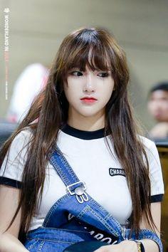 ChengXiao being a cutie Kpop Girl Groups, Korean Girl Groups, Kpop Girls, Cute Girls, Cool Girl, My Girl, Cheng Xiao, Cosmic Girls, Kawaii