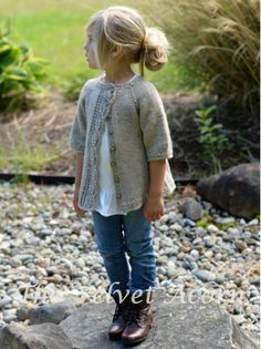 Can someone knit this for my daughter? LOVE this lovely knitted cardigan with leaf lace detail for girls. Cove Cardigan by Heidi May - The Velvet Acorn Designs - ravelry Knitting For Kids, Knitting Projects, Baby Knitting, Knitting Tutorials, Loom Knitting, Knitting Needles, Free Knitting, Velvet Acorn, Knit Crochet