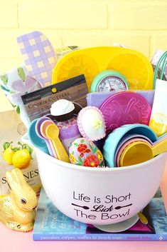 Excellent Easter Basket Ideas for Kids, Teenagers, and. Best Picture For easy Easter Basket Ideas Homemade Easter Baskets, Easter Gift Baskets, Tween Easter Basket Ideas, Baking Basket, Gift Baskets For Women, Easter Crafts For Kids, Easter Gift For Adults, Easter Stuff, Happy Easter