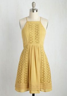 Before tossing a colorful salad to enjoy with your bestie, slip into this muted yellow sundress for a visit to the garden where the veggies were grown! Bursting with lush life, the rows of organic edi Casual Summer Dresses, Dresses For Teens, Trendy Dresses, Dresses For Work, Trendy Outfits, Summer Sundresses, Dress Summer, Fashion Outfits, Sundresses Women