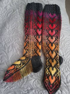 Cool Socks, Awesome Socks, Knitting Socks, Mittens, Knit Crochet, Arts And Crafts, Crocheting, Fashion, Stockings