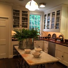 Old Westbury .. A Butlers Pantry