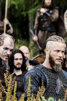 Travis Fimmel (The Vikings) i love him on the show!!