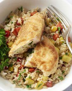 Kip kiev is een Russisch gerecht met gevulde kipfilet in een krokant korstje met rijst. Een toppertje voor tijdens de koude dagen!