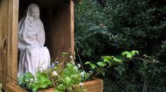 Taizé Sierras Apart - La Virgen Madre realizada en cemento y terminada en piedra París está en Taizé Sierras Apart de Sierra de los Padres, donde la entronizaron en una hermosa capilla de madera.  Muchas gracias a nuestro cliente y amigo!!!