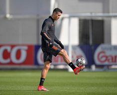 Cristino Ronaldo, Cristiano Ronaldo Cr7, Juventus Soccer, Best Mens Cologne, New Fragrances, Champions League, Fifa, Competition, Soccer