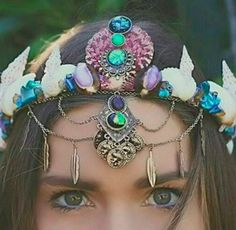 There are crowns that incorporate colors… | Mermaid Crowns Are The New Flower Crowns And I'm Not Mad At It