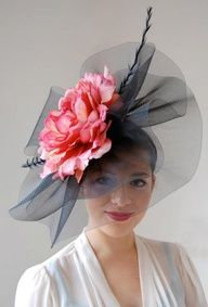 Hats for Women: DIY Hat for the upcoming Kentucky Derby. I like the use of tulle rather than a big floppy hat. Fascinator Hats, Fascinators, Headpieces, Derby Du Kentucky, Kentucky Derby Fascinator, Crazy Hats, Church Hats, Derby Party, Diy Hat