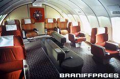 """747 Braniff Place"" - Upper Deck ""International Lounge"" With Panamanian Artwork (1971-ish)"