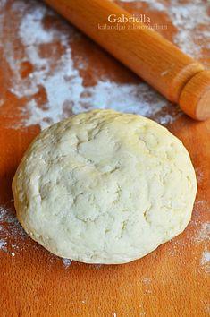 Gabriella kalandjai a konyhában :): Hamis leveles tészta (tojásmentes) Sweet Desserts, Hamburger, Bread, Cheese, Cookies, Baking, Cake, Food, Drink Recipes