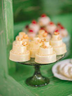 mini cake desserts - photo by Pasha Belman Photography http://ruffledblog.com/bohemian-styled-southern-wedding-inspiration