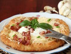 Sajtos-tejfölös krumplis lángos baconnel Recept képpel - Mindmegette.hu - Receptek