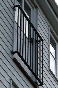 franz sischer balkon mit einem dazwischen liegenden edelstahlhandlauf franz sischer balkon 56. Black Bedroom Furniture Sets. Home Design Ideas